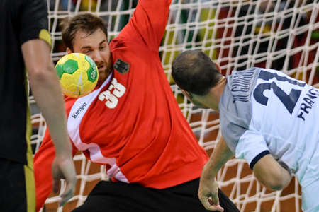 terrain de handball: Rio, Brazil - august 19, 2016: Andreas WOLFF (GER) during Handball game France (FRA) vs Germany (GER) in Future Arena in the Olympics Rio 2016 Éditoriale