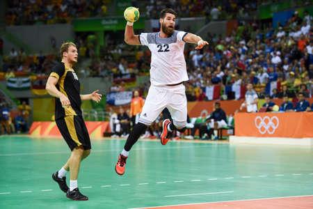 Rio, Brazilië - 19 augustus 2016: Luka KARABATIC (FRA) tijdens Handbalwedstrijd Frankrijk (FRA) tegen Duitsland (GER) in Future Arena in de Olympische Spelen Rio 2016 Stockfoto - 89571905