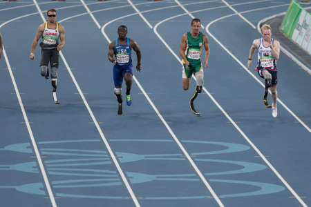 Rio, Brazil - september 08, 2016: Jonnie PEACOCK (GBR) during Men 100m - T44 Round 1, in the Rio 2016 Paralympics Games. 에디토리얼