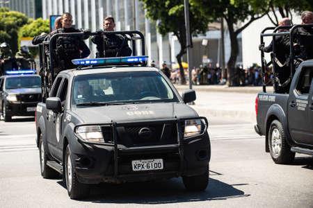 Rio de Janeiro, Brazil - september 07, 2018:  military civic parade celebrating the independence of Brazil. Police car 에디토리얼