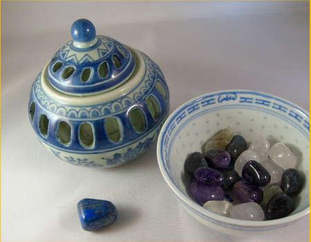 lapis: Blue Chinese design bowls with gemstones and Lapis Lazuli