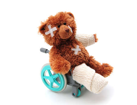 broken leg: poorly bear