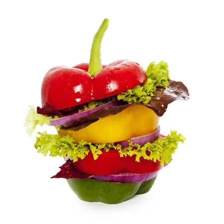 Grönsaker smörgås isolerad white