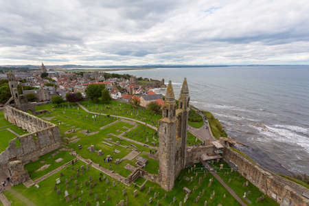 Aerial View of St Andrews Cathedral ruins. Fife, Scotland. 免版税图像