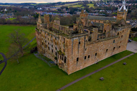 Aerial view of Linlithgow Castle Ruins, the birthplace of Mary Queen of Scots in West Lothian, Scotland. Stock fotó