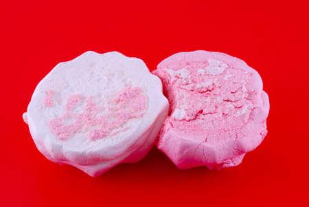 pastila: marshmallow on red