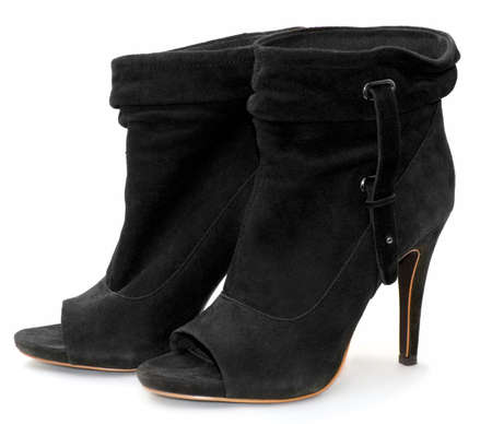 buckle: black boots