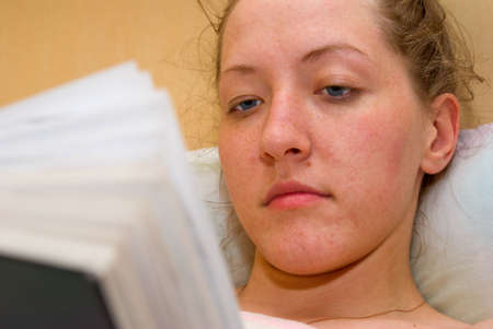 girl are reading in bed Stock Photo - 5091382