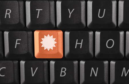 llave de sol: clave de sol en teclado negro  Foto de archivo
