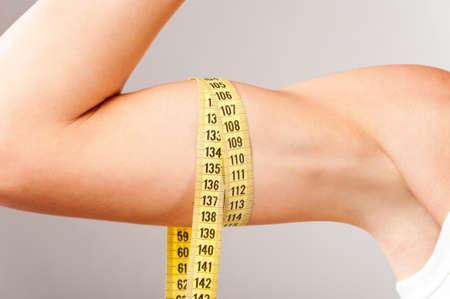 measuring biceps photo