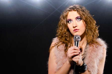 glam rock: singing rock music
