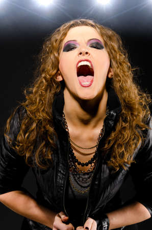mouth closed: singing rock song