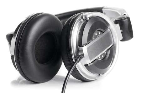 audifonos: Auriculares profesionales aislados en blanco