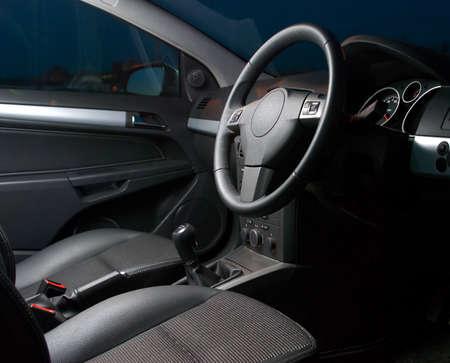 binnenkant van een moderne auto