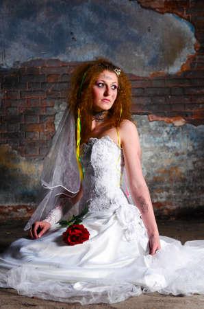 make dirty: trash the dress woman