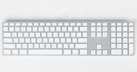 moderne toetsenbord op grijze achtergrond