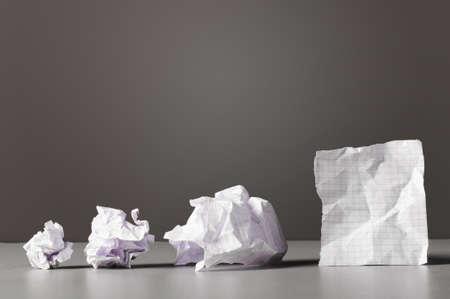 oficina desordenada: concepto de negocio creatividad