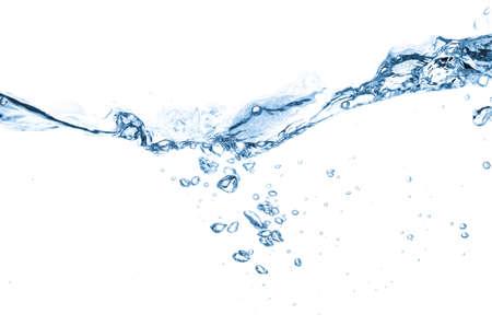 白で隔離される水の波のクローズ アップ