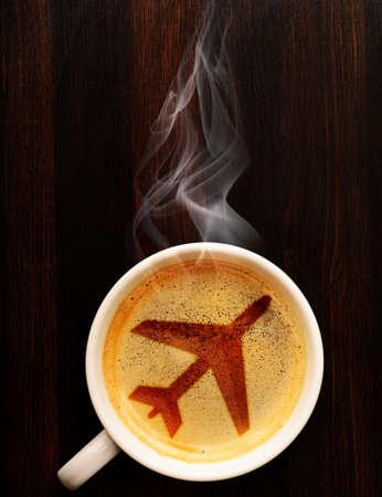 空港のコーヒー カップ、上からの眺め 写真素材