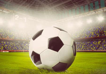 colores calidos: f�tbol o la pelota de f�tbol en el estadio, los colores c�lidos en tonos