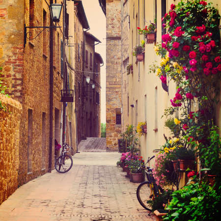 street in Pienza, Tuscany, Italy Stock Photo - 32491849
