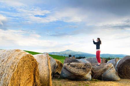agriturismo: Haystack at sunset, Tuscany landscape, Toscana, Italy