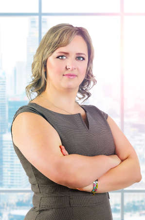 kaukasisch junge plus sized Business-Frau Porträt