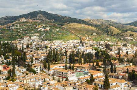 山脈、アンダルシア、スペイン グラナダ市内のパノラマ ビュー