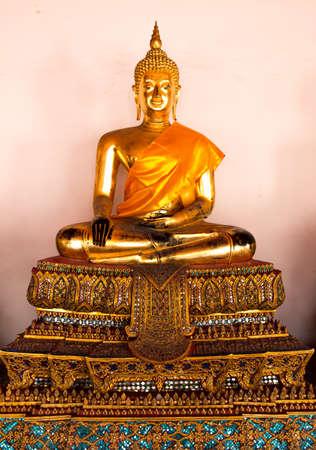 Golden Buddha statues Imagens