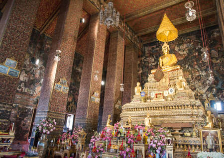 Wat Pho (Wat Phra Chetuphon Vimolmangklararm Rajwaramahaviharn), Pranakorn District, Bangkok, Thailand.
