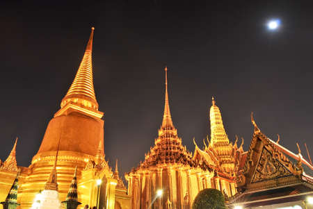 Wat pra kaew Grand palace at night bangkok,Thailand photo