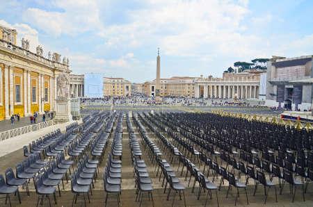 spqr: Vaticano, Plaza de San Pedro Editorial