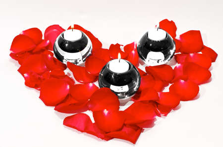 peal: Rose Pedal shaped as a heart with three glass candle