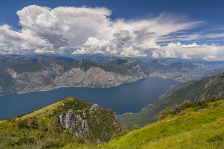 View from Monte Baldo on lake Garda, Malcesine, Lombardy, Italy. 版權商用圖片