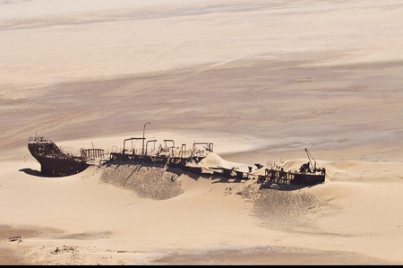 Edward Bohlen shipwreck on Namib desert, Skeleton Coast, Africa, Namibia. Imagens