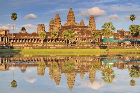 Angkor Wat en reflecterend zwembad, Siem Reap, Cambodja.