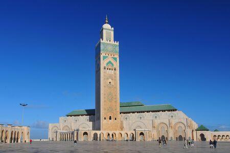 La Mosquée Hassan II ou Grande Mosquée Hassan II, une mosquée à Casablanca au Maroc. C'est la plus grande mosquée du Maroc et la 13e plus grande au monde.