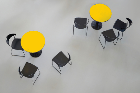 round chairs: round tables with chairs, from above