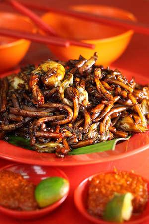 Fried Hokkien noodles with prawns