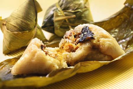 traditional festivals: Canton�s arroz blanco glutinoso Dumpling Foto de archivo