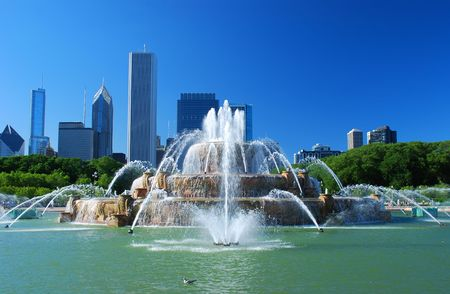 fountains: View of Downtown of the city of Chicago