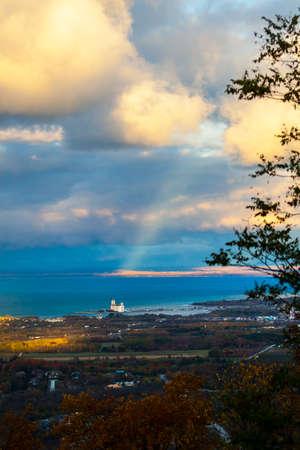 高いからジョージア湾を見下ろす風光明媚なビュー 写真素材