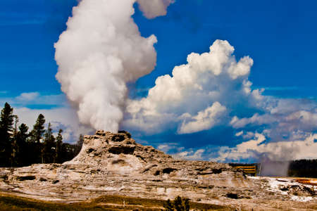 rupture: geothermal geyser activity