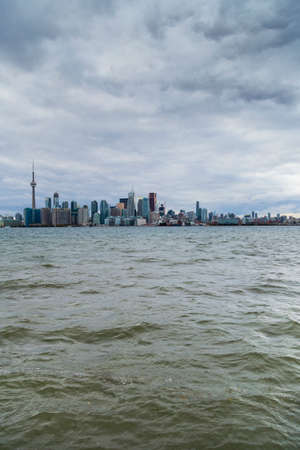 scenic view of Toronto from across the Lake, Canada 免版税图像