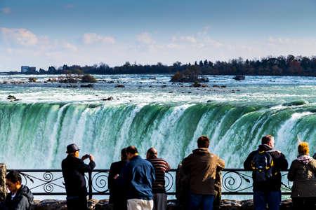 ナイアガラの滝オンタリオ州の風光明媚なビュー 写真素材