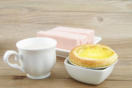 egg tart: Egg tart & snack