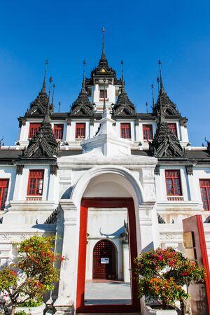 top 7: Castillo de los tres metales en el mundo, con un 7 pisos, construcci�n de castillos en el top 37 Worawihan Rajanadda en Bangkok Tailandia