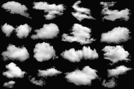 Collection de nuages blancs moelleux pour la conception sur un fond noir d'éléments isolés. Banque d'images