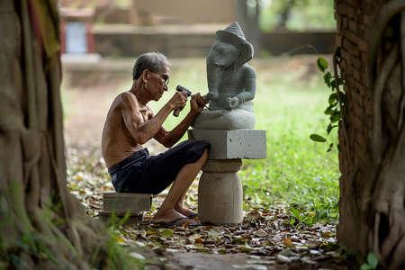 trinchante: Tallador de piedra, Tailandia