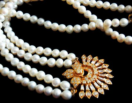 a beautiful diamond and pearl necklace Stock fotó